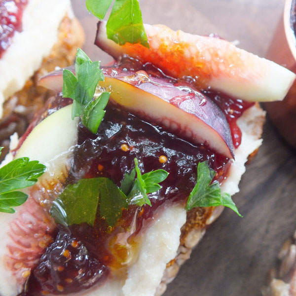 Grace Notes | A Summer Recipe: Fig Bruschetta with Cashew Ricotta (3)